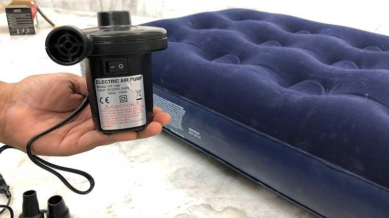metoda-prin-care-se-umfla-saltelele-gonflabile
